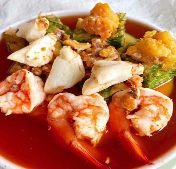 shrimp with red sauce
